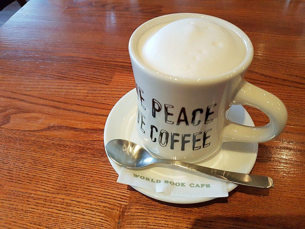 札幌人推薦》WORLD BOOK CAFE 喜歡台灣的北海道咖啡職人 隱身巷弄裡特色宅咖啡