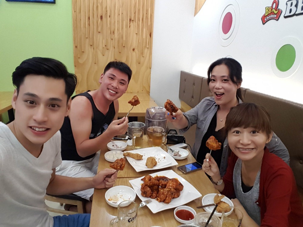京畿道:::冰雪樂園Onemount商城美食 Deli Artisee Patisserie和BBQ炸雞