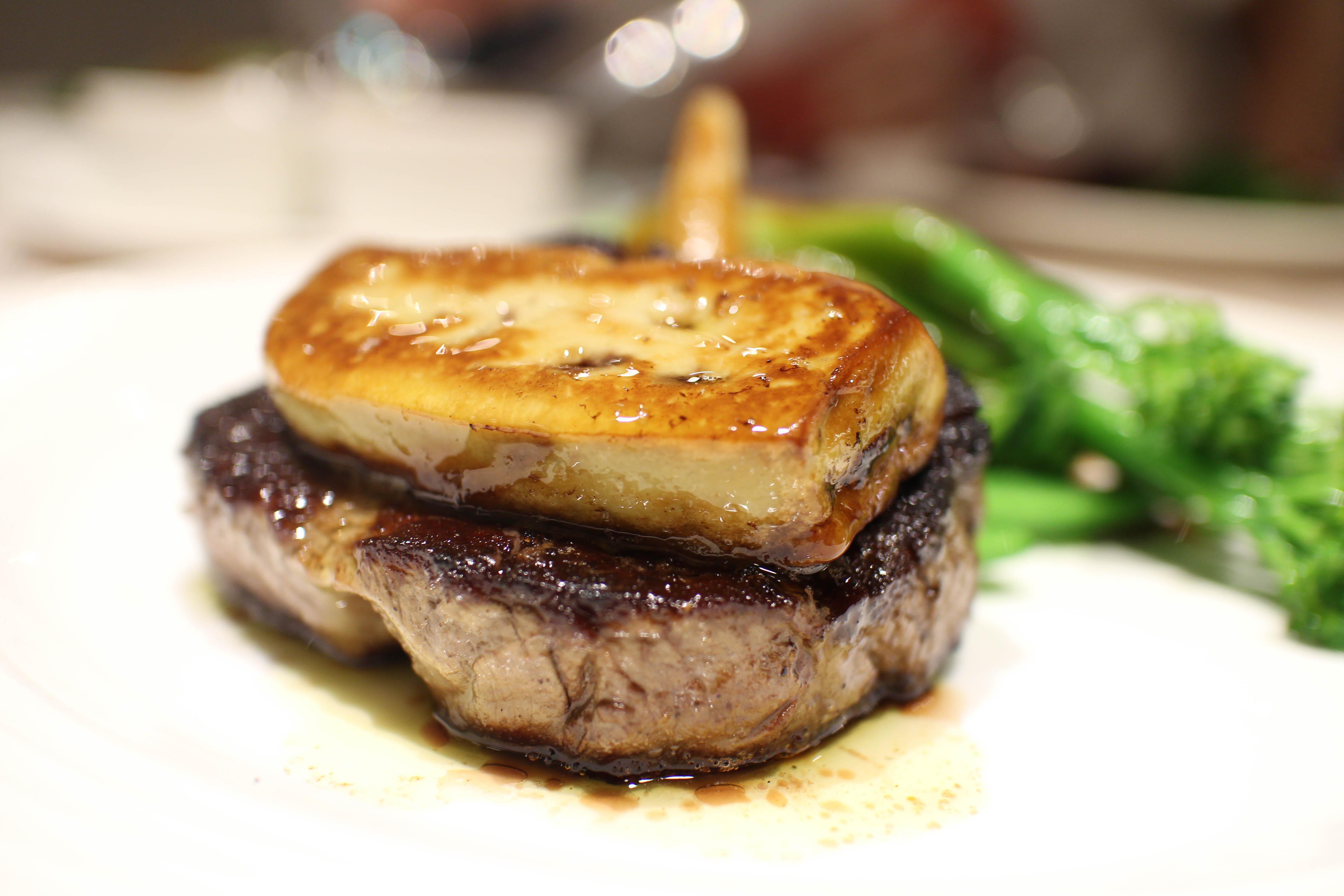 台北牛排推薦::Steak Inn 雅室牛排 商業午餐CP值最高!晚餐吃菲力牛排加鴨肝