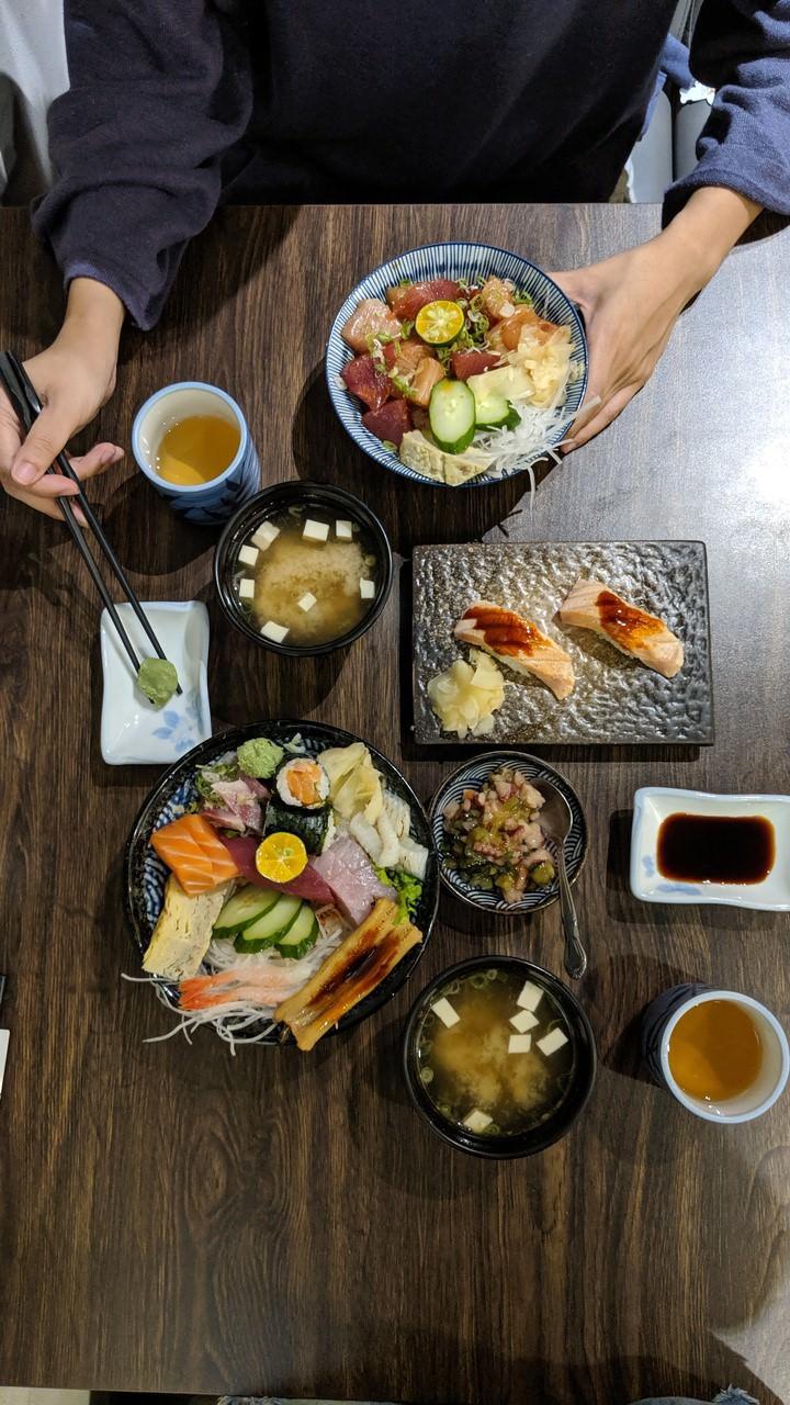 八德路美食 :: 江太日本料理 超推炙燒鮭魚腹握壽司!日式火鍋、壽司、丼飯和烤物樣樣有