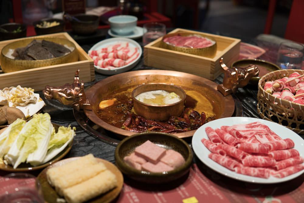 微風信義 :: 麻辣45 坐擁豪華市景!100%和牛油的重慶紅湯和金華火腿熬煮出的超雞濃湯