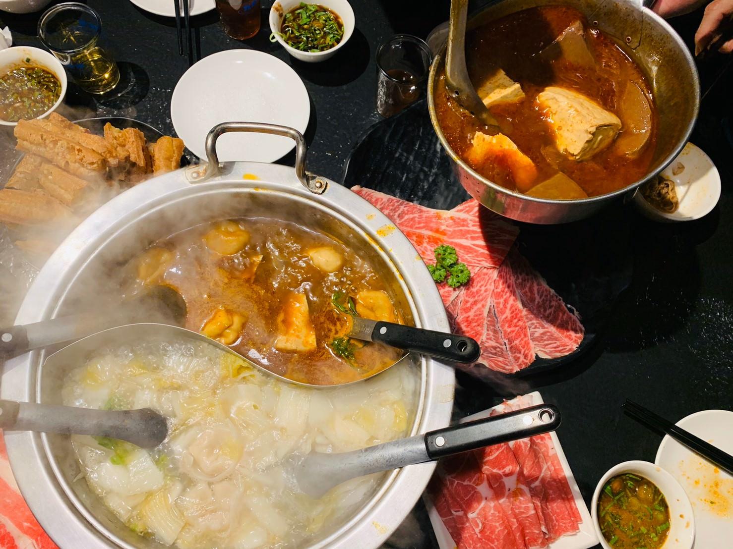 台北麻辣鍋推薦 :: 辣上癮 極品麻辣鴛鴦 鴨血豆腐無限續,酸菜白肉鍋更好吃