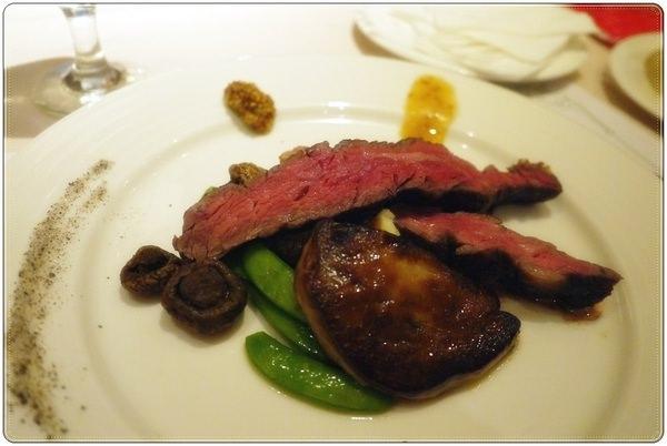 台北/大安 雅室牛排發現波士頓空運龍蝦,好一個銷魂高級饗宴 近忠孝敦化站和東區商圈