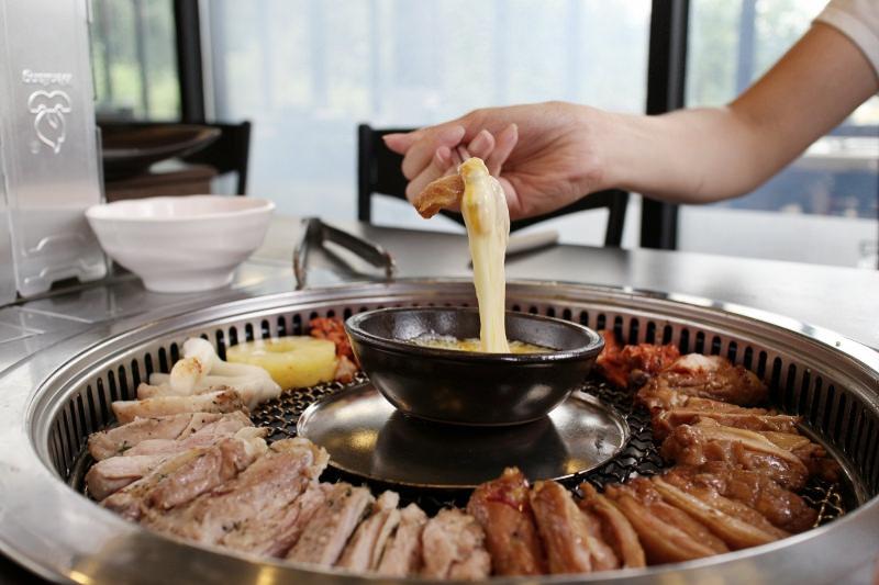 韓國京畿道|傳聞中的雞排 소문난닭갈비 三色雞排一次滿足!窯烤雞腿排美味了得