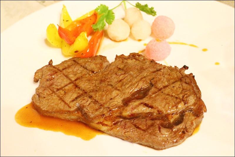新北/新店 舊識牛排西餐廳,超值牛排7道佳餚399元!近大坪林捷運站